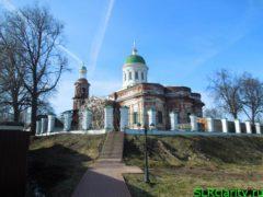 Троицкий собор в городе Яхрома