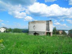 Заброшенное строительство овального дома