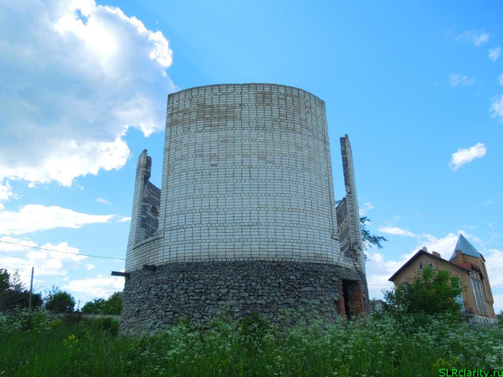 Недостроенный овальный дом