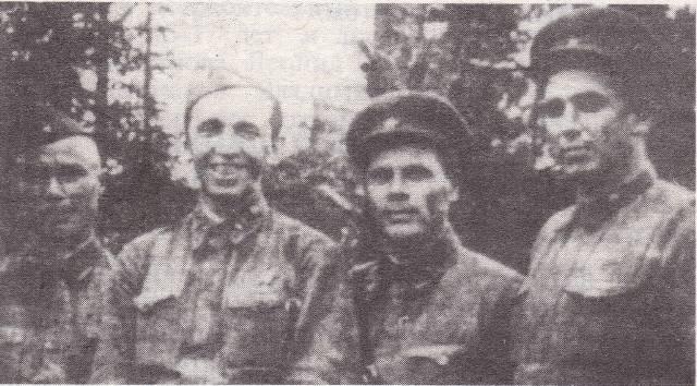 Командный состав Дмитровского батальона народного ополчения.